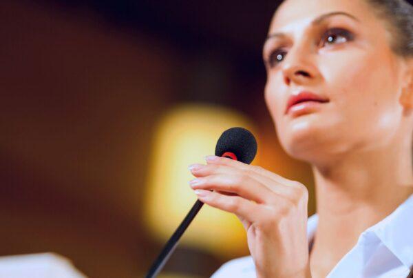 cómo hablar en público, 6 tips para vencer el miedo