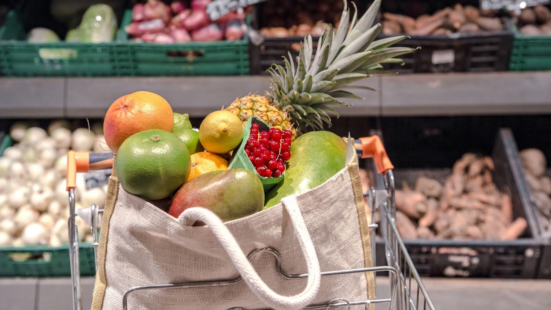 Estos son los alimentos que no deberían faltar en tu dieta, según los expertos